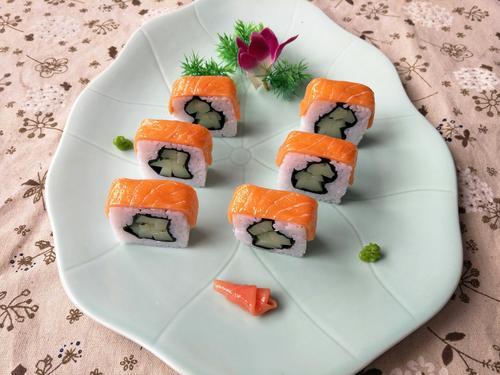 新品仿真菜 仿真三文鱼寿司卷模型 仿真三文鱼寿司饭团模型 订做