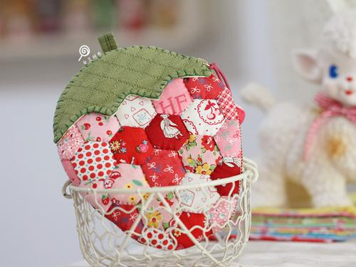 手工布艺diy拼布材料包  松山敦子复刻甜美可爱草莓收纳包 零钱包