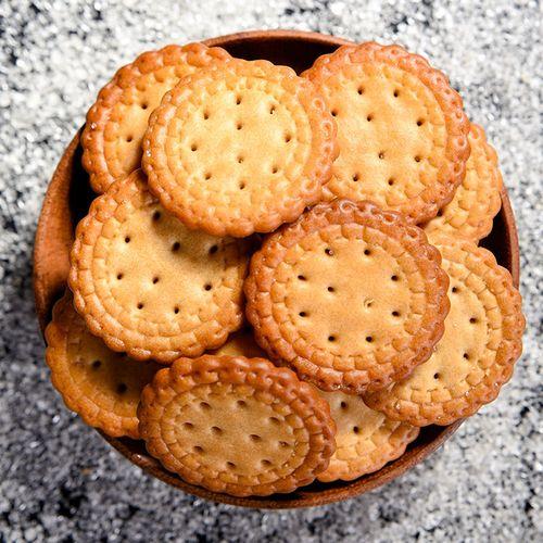 日式小圆饼海盐味咸香小饼干休闲好吃的网红零食品大