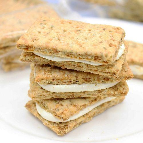 台湾牛轧糖饼干全麦燕麦方块酥手工夹心牛扎饼万丹古早味包邮