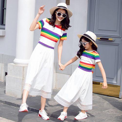 法式亲子装夏装2020新款潮母女装洋气一家三口四口母子彩虹裙套装