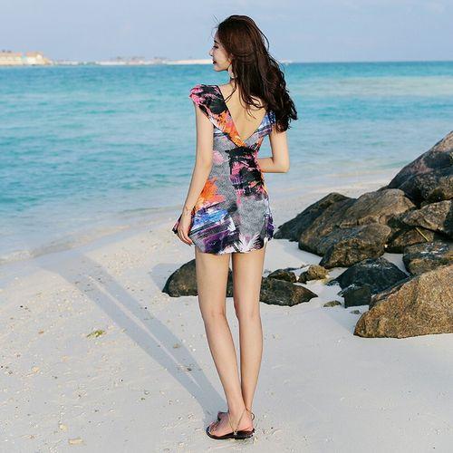 泳衣女连体裙式保守遮肚显瘦时尚性感大码2020新款温泉 度假海滩泳装