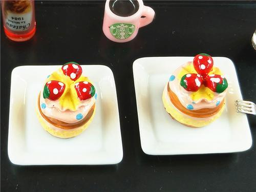 微缩模型6分娃配件袖珍食物食玩过家家场景摆件迷你面包小蛋糕